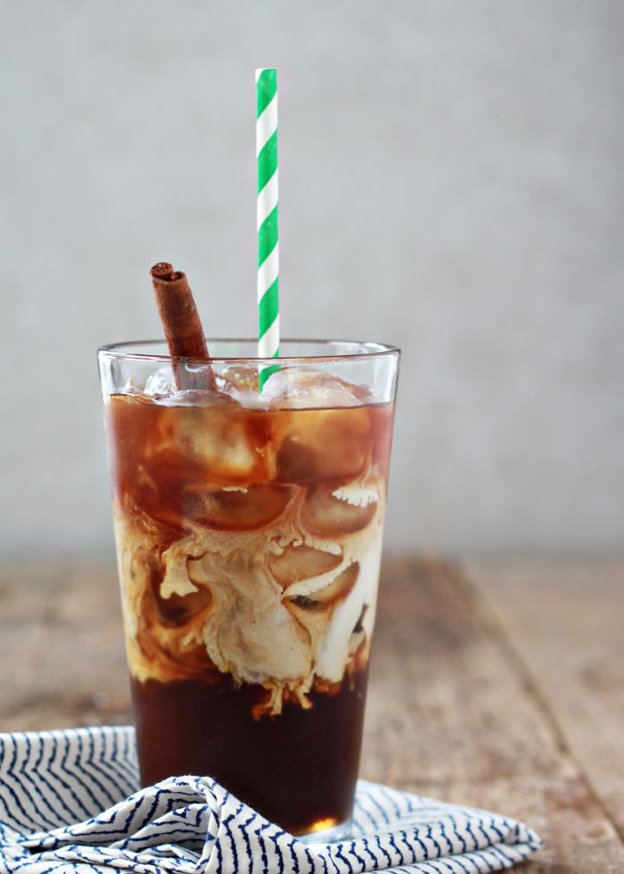 Cinnamon Dolce Iced Coffee | kitchentreaty.com