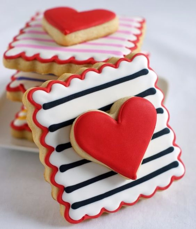 DIY Valentines Day Cookies - Perfect Every Time Cut-Out Cookies - Easy Cookie Recipes and Recipe Ideas for Valentines Day - Cute DIY Decorated Cookies for Kids, Homemade Box Cookies and Bouquet Ideas - Sugar Cookie Icing Tutorials With Step by Step Instructions - Quick, Cheap Valentine Gift Ideas for Him and Her http://diyjoy.com/diy-valentines-day-cookie-recipes
