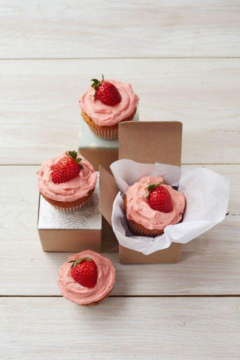 Valentine Cake - pb and j cupcakes