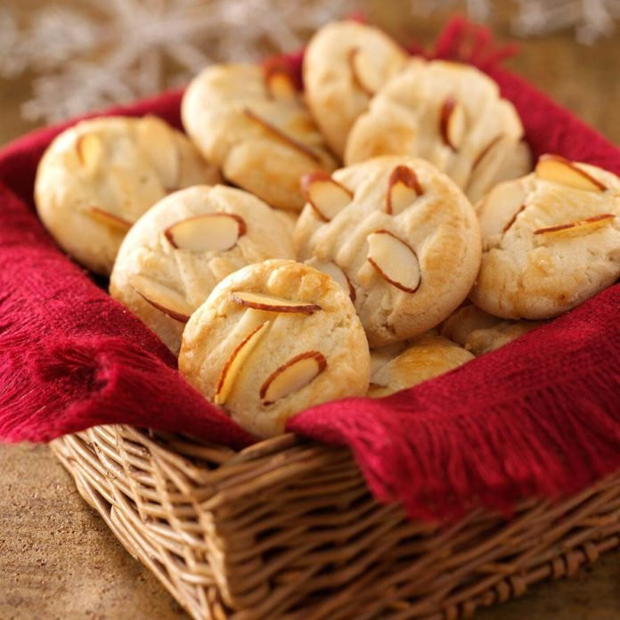 Chinese Almond Cookies 5
