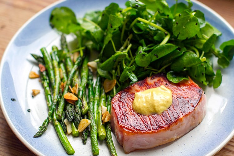 Pork Steaks & Garlic Asparagus