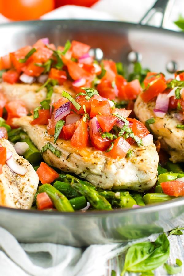 Skillet Bruschetta Chicken and Asparagus 1