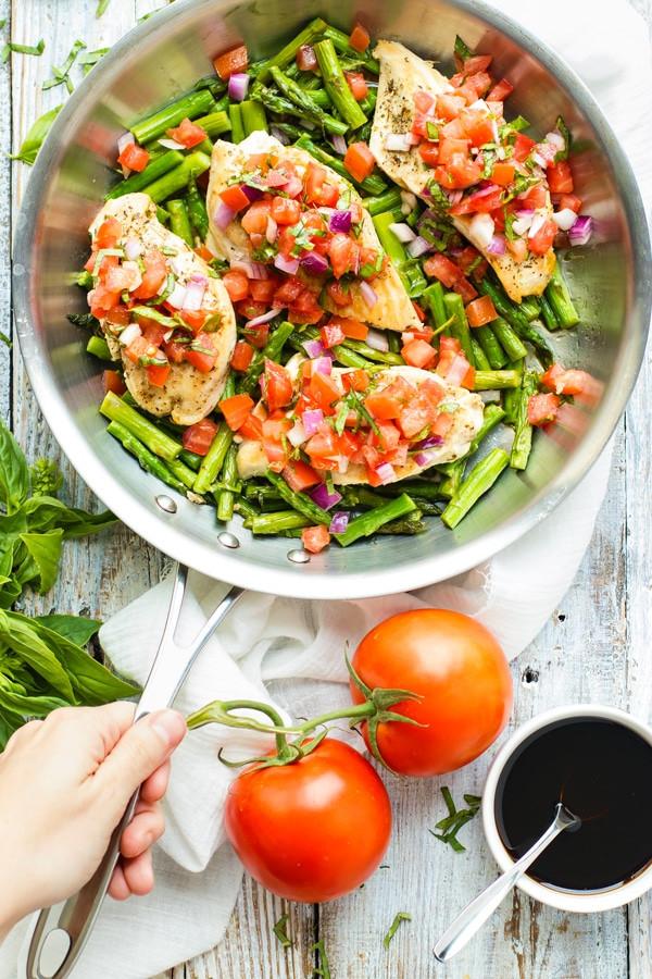 Skillet Bruschetta Chicken and Asparagus