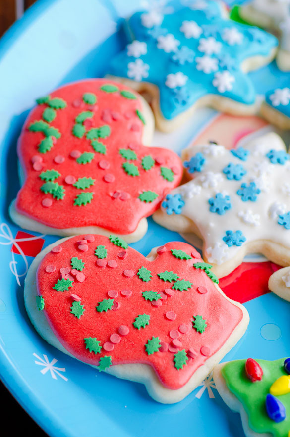 Soft Christmas Cut-Out Sugar Cookies with Easy Icing 3
