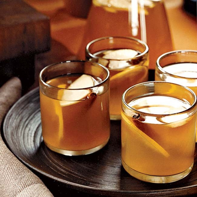 Alcoholic Thanksgiving Drinks  10 Lovely Thanksgiving Drinks B Lovely Events