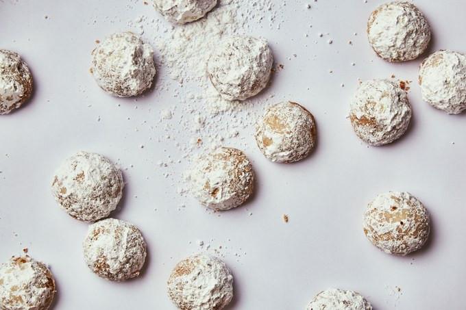 Bon Appetit Christmas Cookies  6 Old School Italian Christmas Cookies We Love