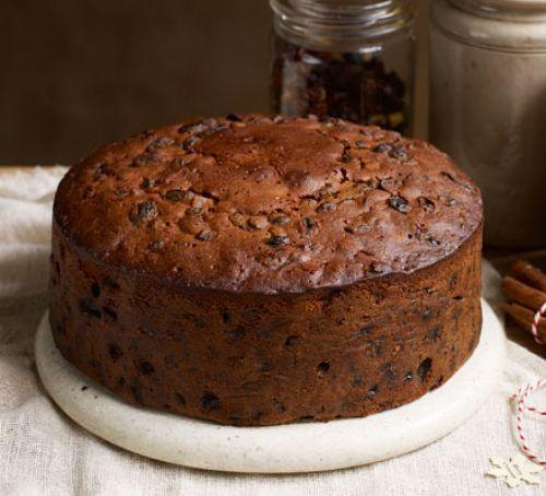 Cakes Recipes For Christmas  Buttered rum Christmas cake recipe