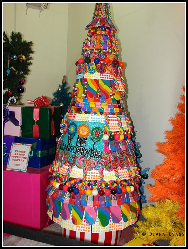 Candy Bar Christmas Tree  Candy Christmas tree at Dylan s Candy Bar in New York