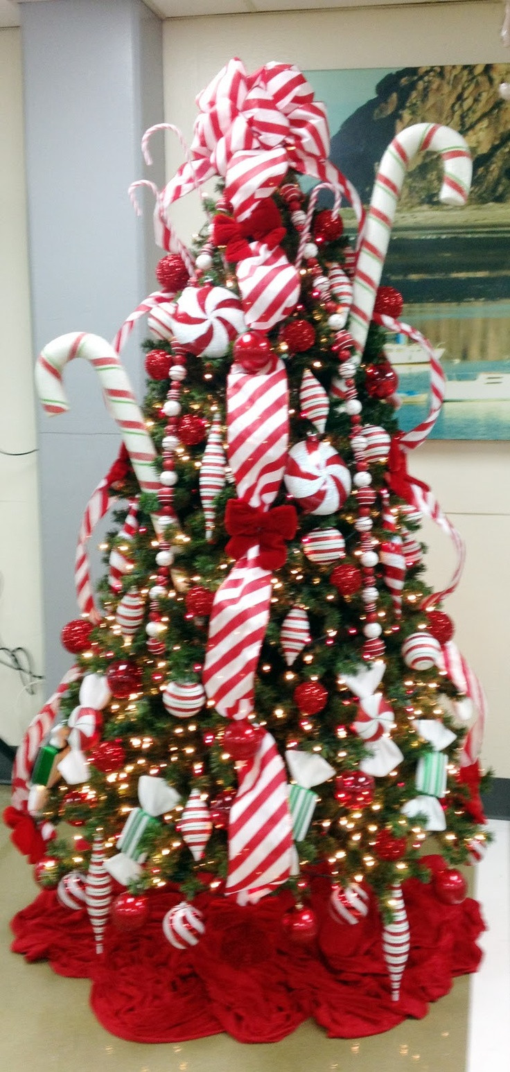 Candy Cane Christmas  25 unique Candy cane christmas tree ideas on Pinterest