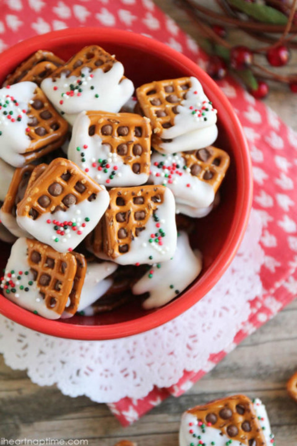 Candy Recipes For Christmas  Prepare To See Your Diet Ruined W This Christmas Candy