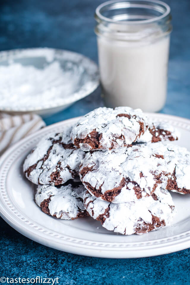 Chocolate Christmas Cookies With Powdered Sugar  Chocolate Crinkle Cookies Christmas Cookie Recipe w