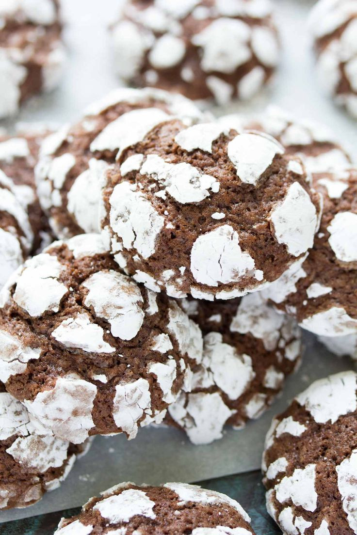 Chocolate Christmas Cookies With Powdered Sugar  Best 25 Chocolate crinkles ideas on Pinterest