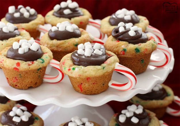 Chocolate Christmas Desserts Easy  16 Adorable Christmas Desserts That Are Better Than Gifts