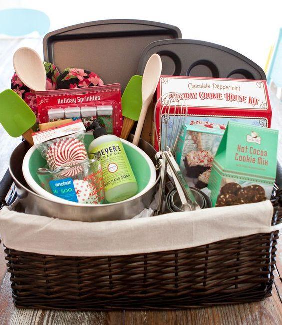 Christmas Baking Gifts  Baking basket Great baker lover t idea