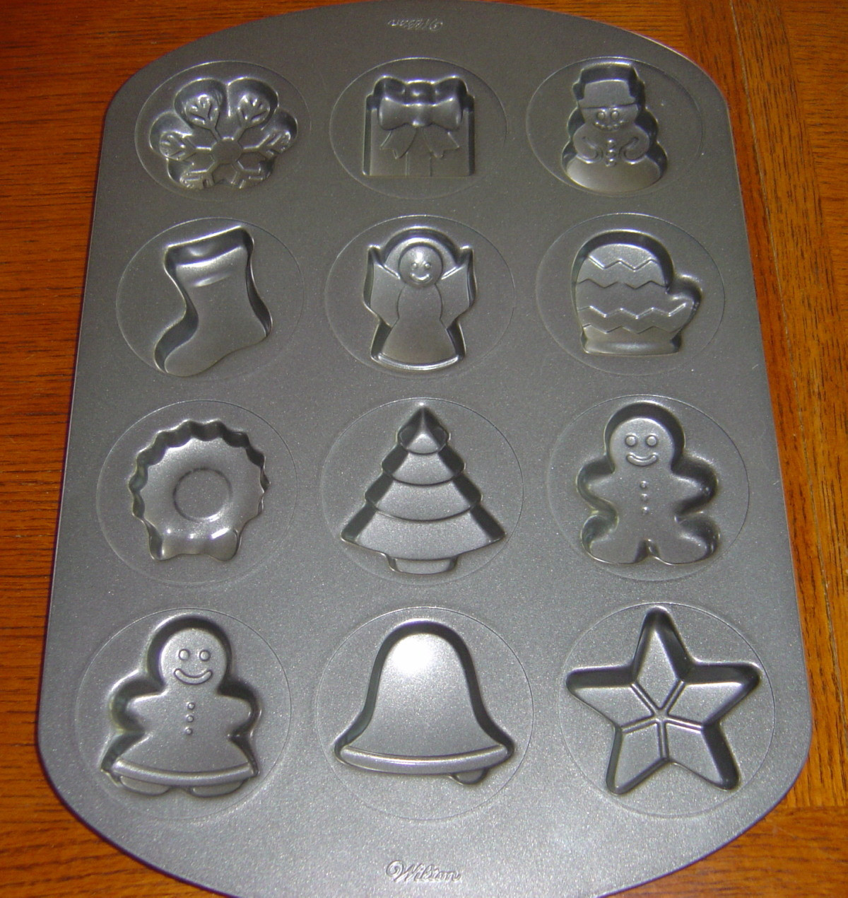 Christmas Baking Pans  Wilton Non Stick Holiday Christmas Cookie Pan 12 Shapes