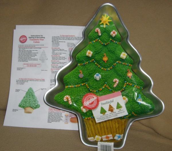 Christmas Baking Pans  Wilton Treeliteful Christmas Tree Holiday Cake Pan LN