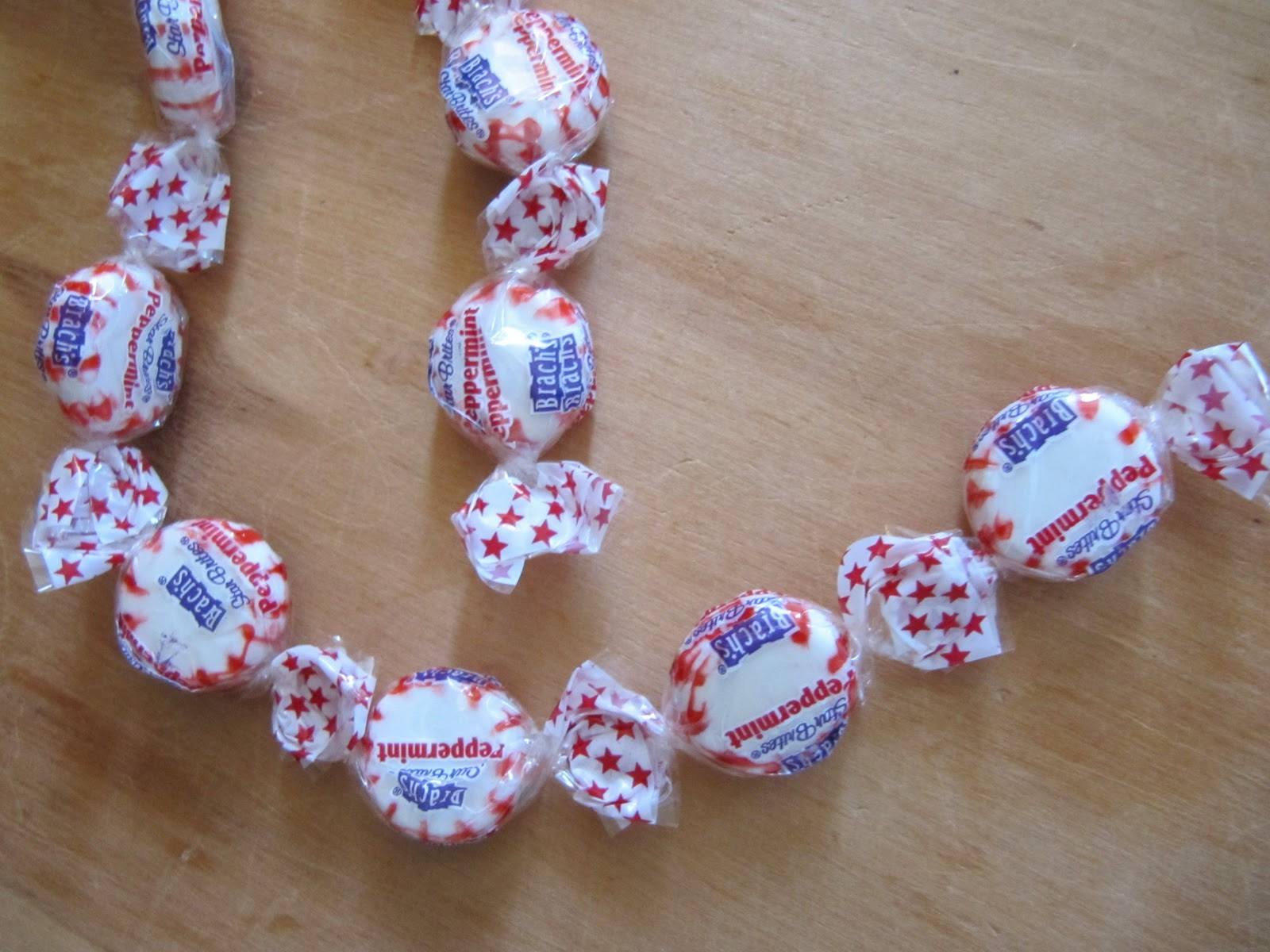 Christmas Candy Garland  Sew Many Ways Peppermint Candy Garland
