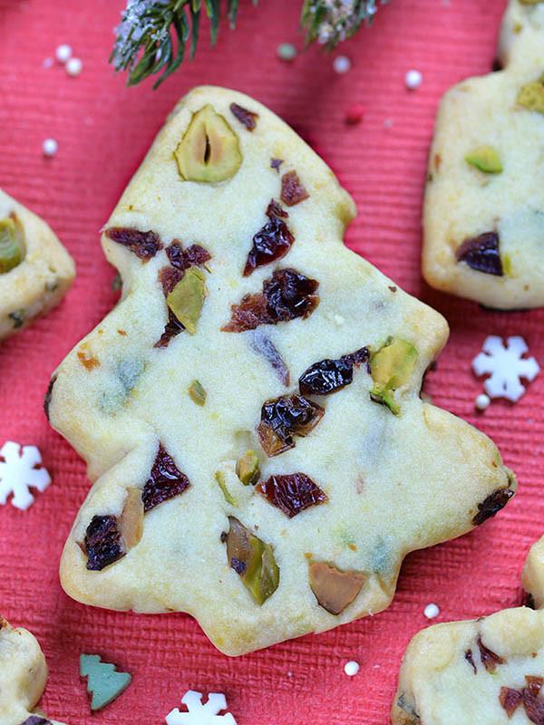 Christmas Cherries Cookies  Christmas Maraschino Cherry Shortbread Cookies OMG