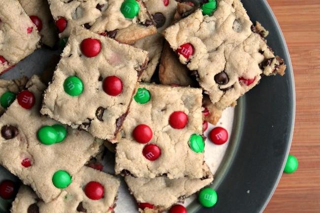 Christmas Cookies Bar  M&M Christmas Cookie Bars Foody Schmoody Blog