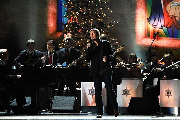 Christmas Cookies George Strait  Scotty McCreery Sings George Strait's 'Christmas Cookies