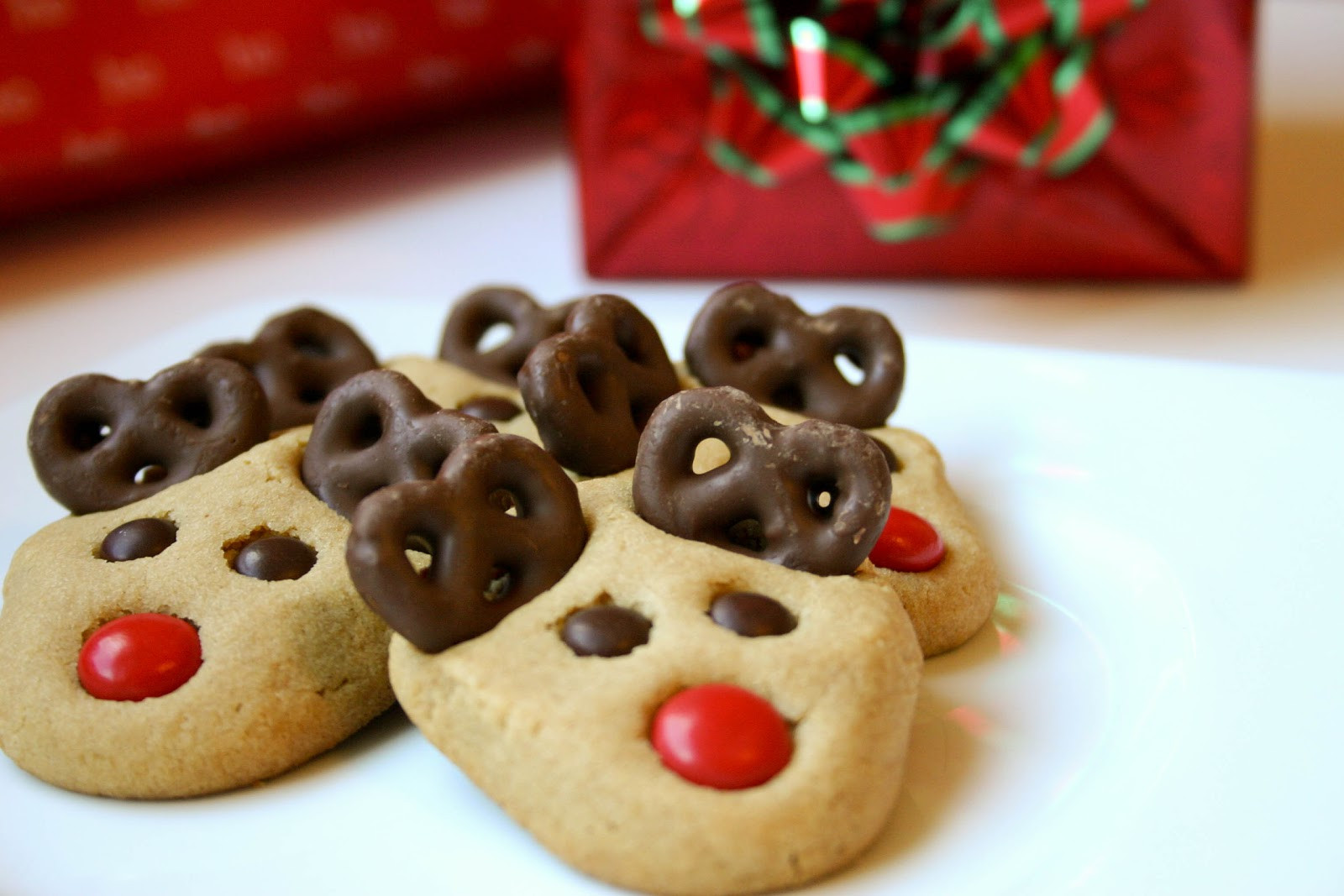 Christmas Cookies Pictures  Bakergirl Peanut Butter Reindeer Cookies