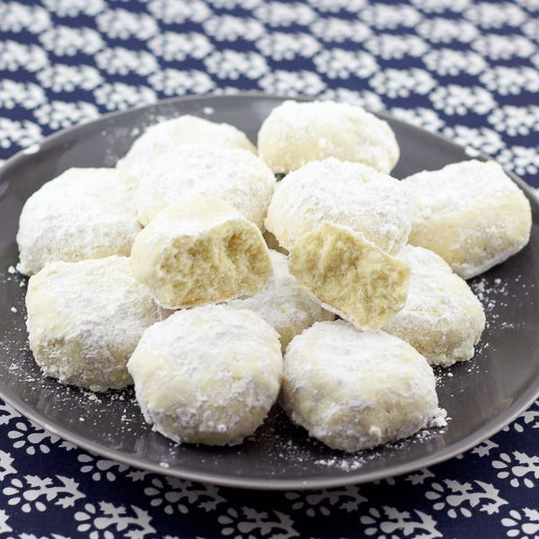 Christmas Cookies With Powdered Sugar  25 best ideas about Greek Cookies on Pinterest