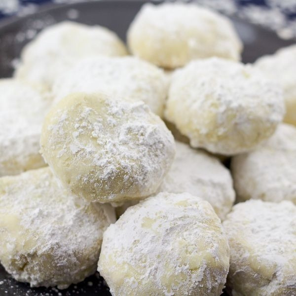 Christmas Cookies With Powdered Sugar  These delicious Greek holiday cookies know as