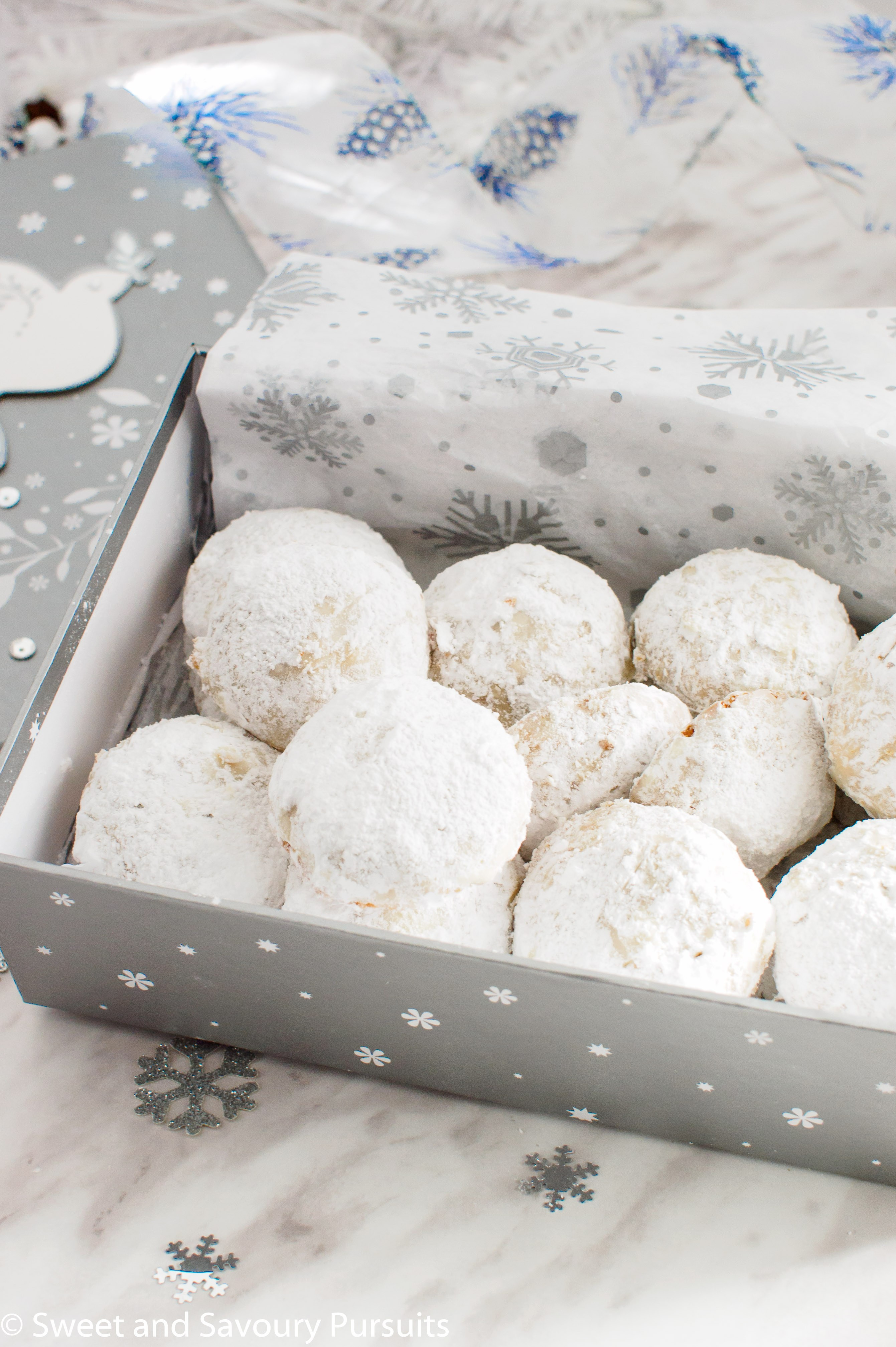 Christmas Cookies With Powdered Sugar  Powdered Sugar Almond Cookies Sweet and Savoury Pursuits