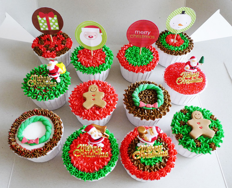 Christmas Cupcakes Ideas  20 Cute Christmas Cupcake Decorating Ideas