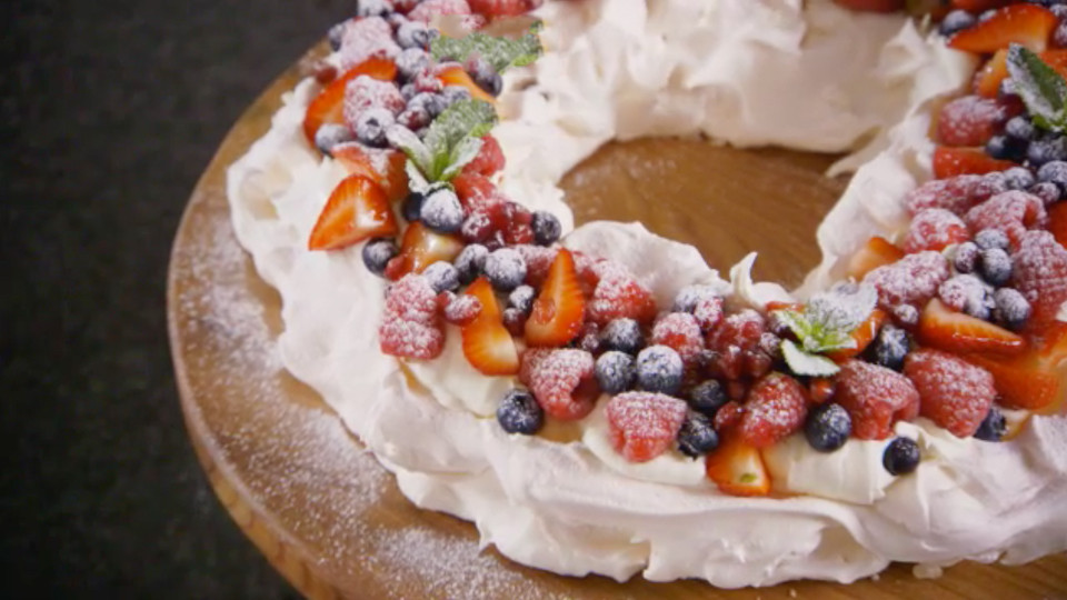 Christmas Desserts Mary Berry  Christmas Pavlova Recipe