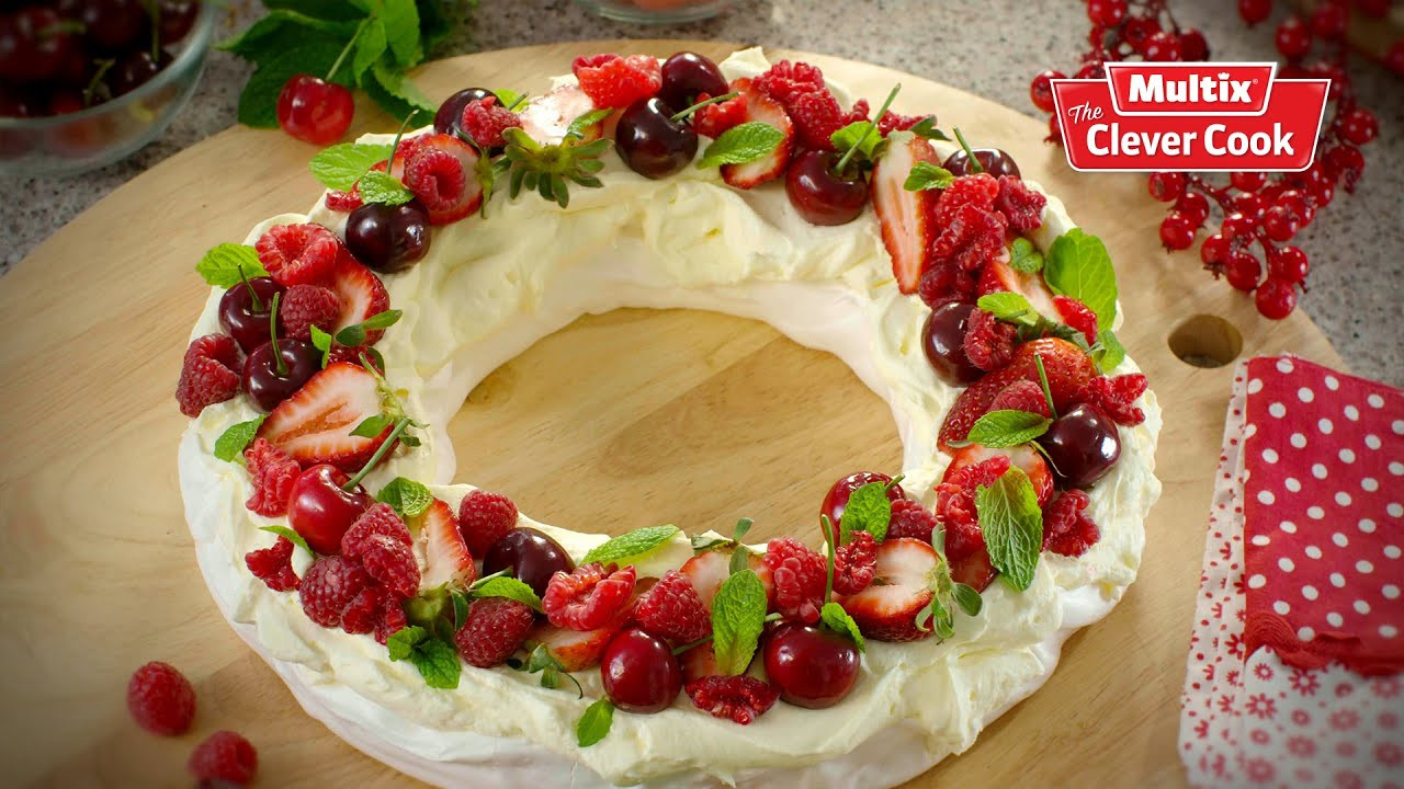 Christmas Desserts Mary Berry  Christmas Pavlova wreath