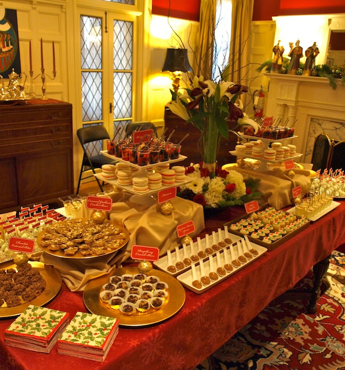 Christmas Desserts Party  a party style xmas in july holiday dessert table