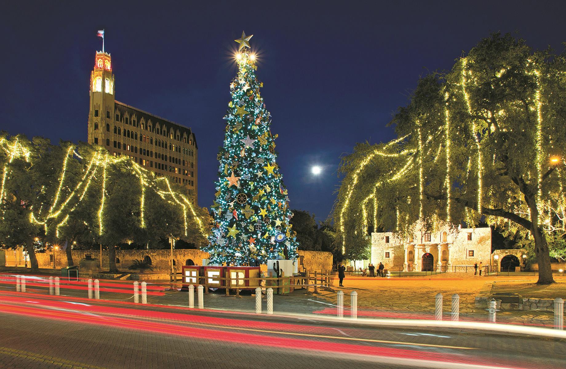 Christmas Dinner San Diego 2019  San Antonio s Christmas The Riverwalk Light Up Your