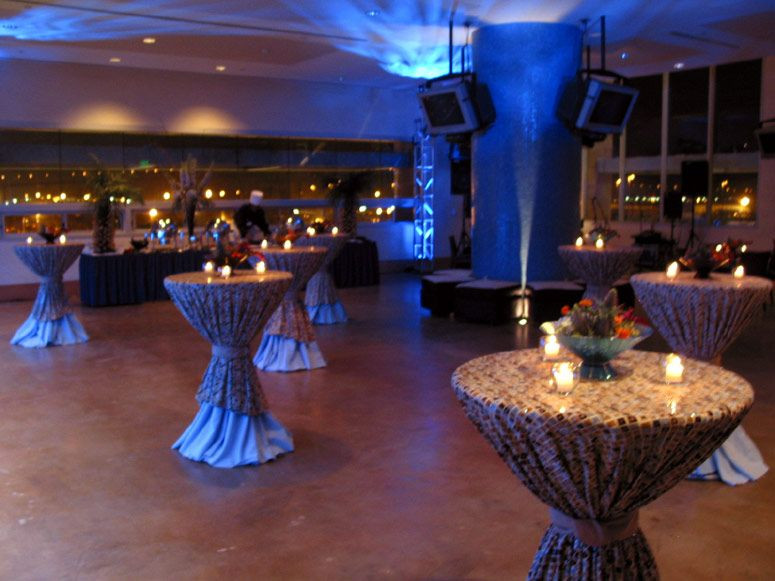 Christmas Dinner San Diego 2019  corporate dinner party decorating