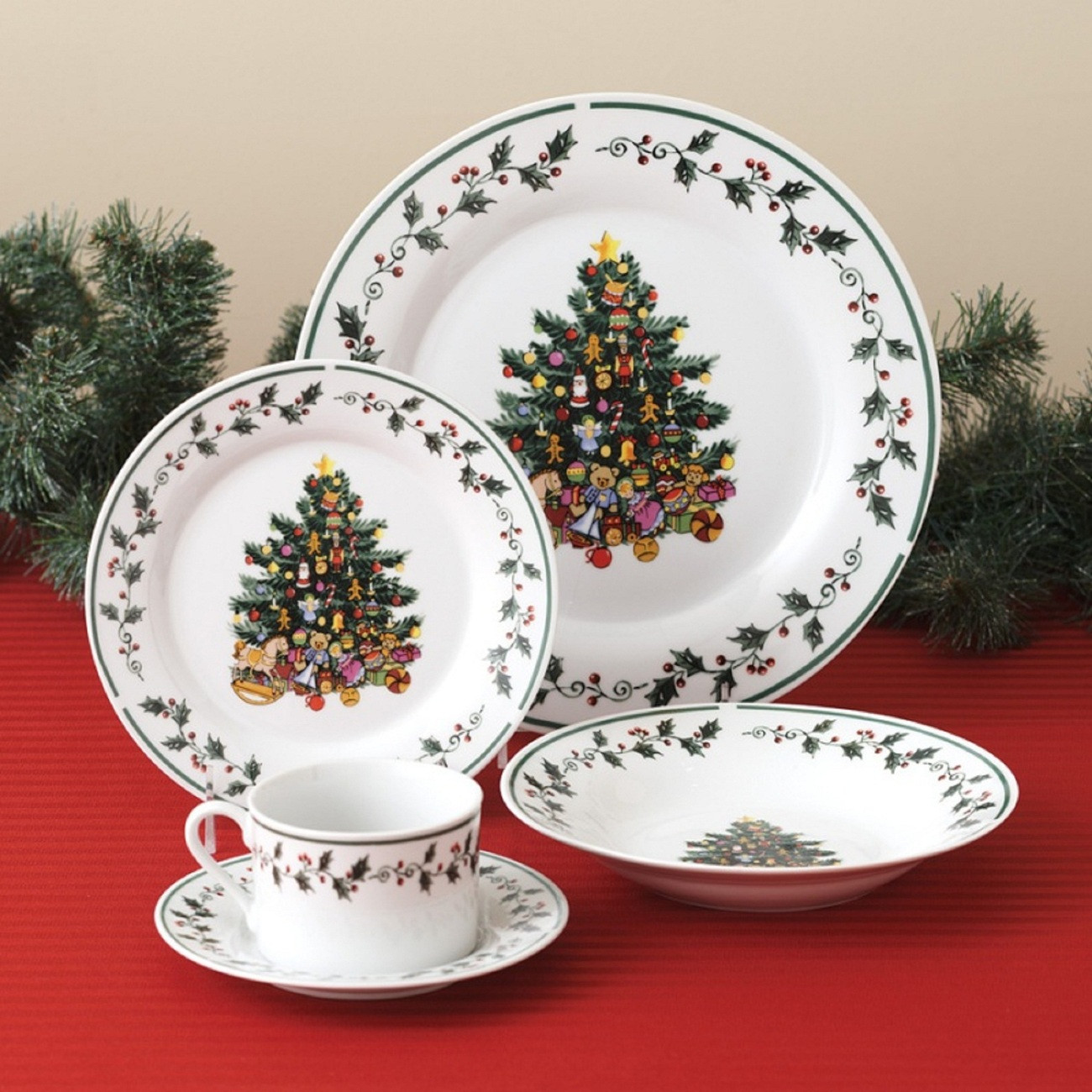 Christmas Dinner Set  Christmas Holidays Tree Trimmings Holly 20 Piece Porcelain