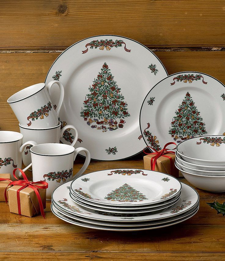 Christmas Dinner Set  25 best ideas about Christmas dinnerware on Pinterest