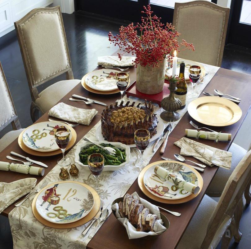 Christmas Dinner Table  Family Christmas Dinner