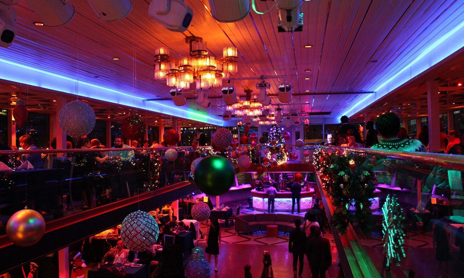 Christmas Eve Dinner Ny  Hornblower New York Christmas Dinner Cruise Loving New