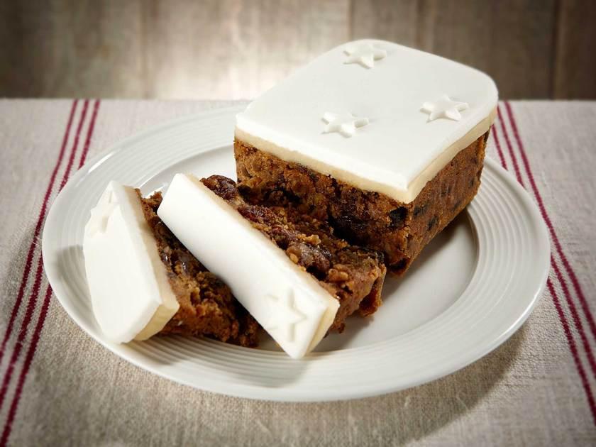 Christmas Loaf Cakes  Top Iced Christmas Loaf Cake