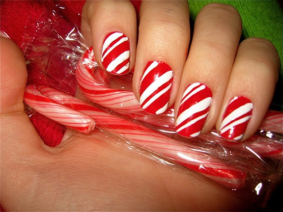 Christmas Nails Candy Cane  The 20 Best Christmas Nail Designs For You Easyday