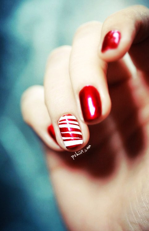 Christmas Nails Candy Cane  Red