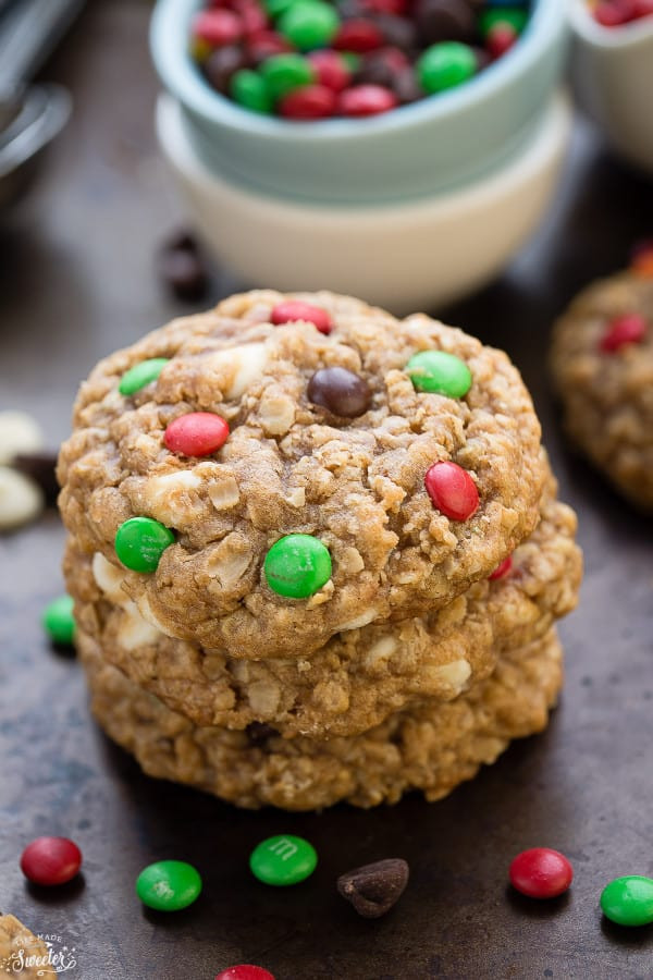 Christmas Oatmeal Cookies  Christmas Oatmeal M&M Cookies