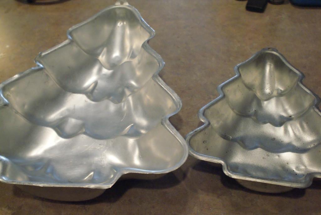 Christmas Tree Baking Pan  DIY Crackle Painted Christmas Tree Cake Pan Decor Clever