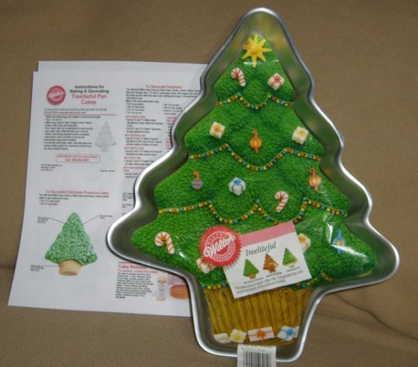 Christmas Tree Baking Pan  Wilton Treeliteful Christmas Tree Holiday Cake Pan LN