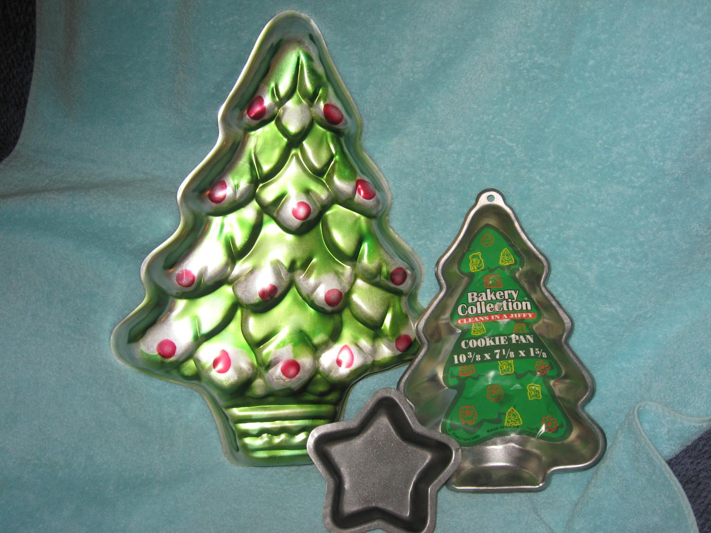 """Christmas Tree Baking Pan  Items similar to Wilton 16"""" Christmas Tree Cake Pan 502"""