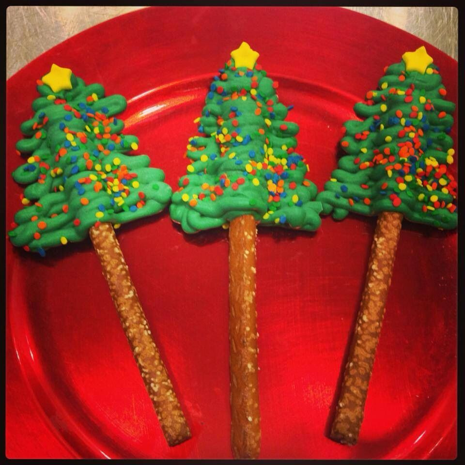 Christmas Tree Pretzels  Christmas Tree Pretzel Pops Christmas