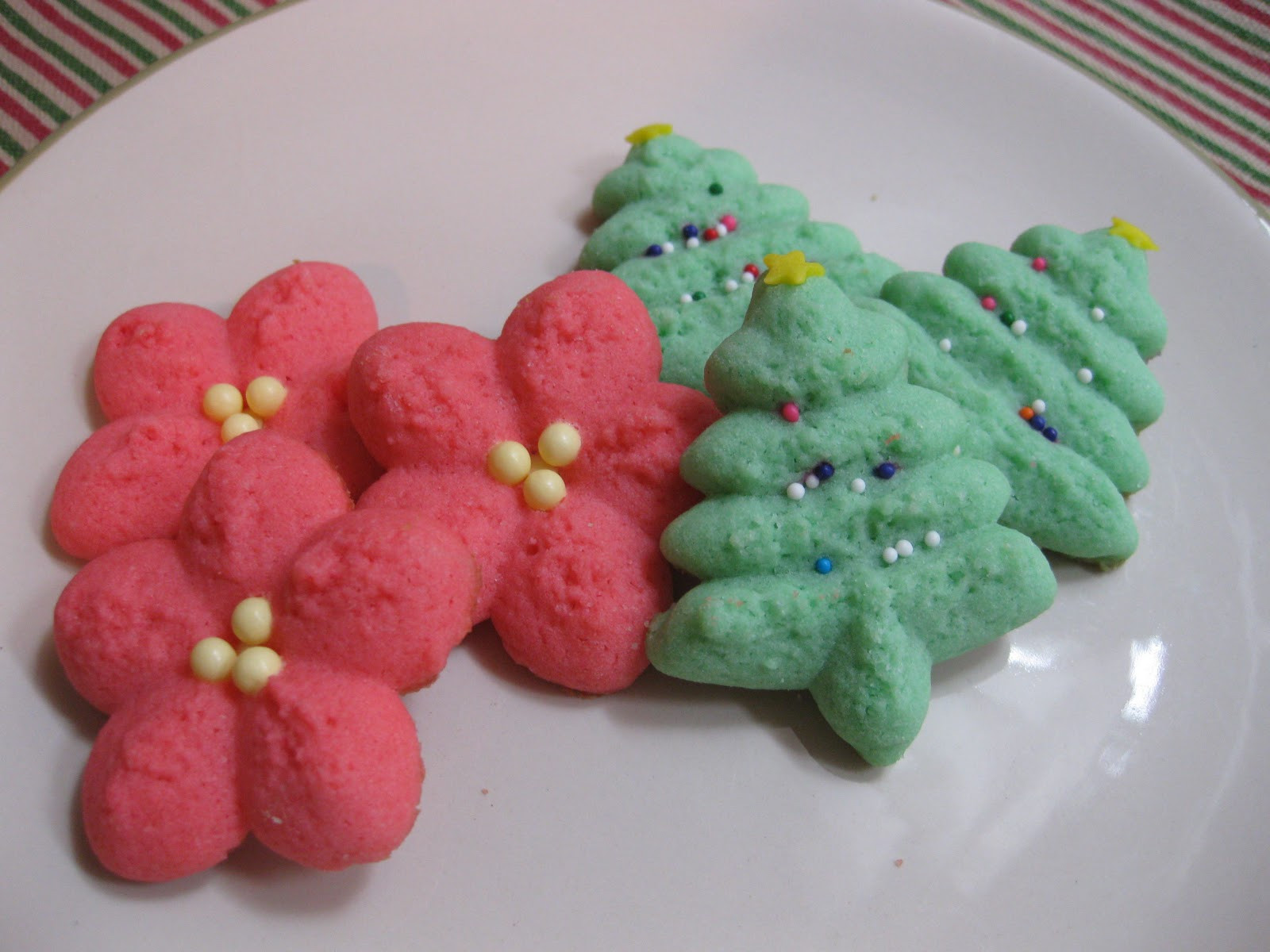 Christmas Tree Spritz Cookies  Sunday Treats Spritz Cookies