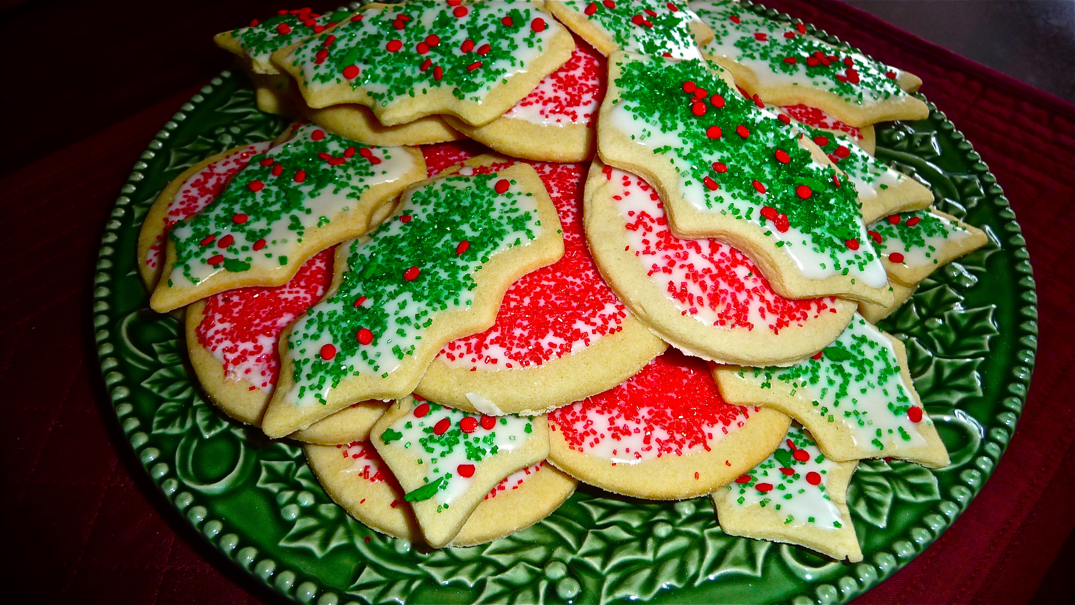 Classic Christmas Sugar Cookies  A traditional Christmas treat — really good sugar cookies