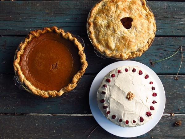 Classic Thanksgiving Desserts  Classic Thanksgiving desserts e Tough Cookie