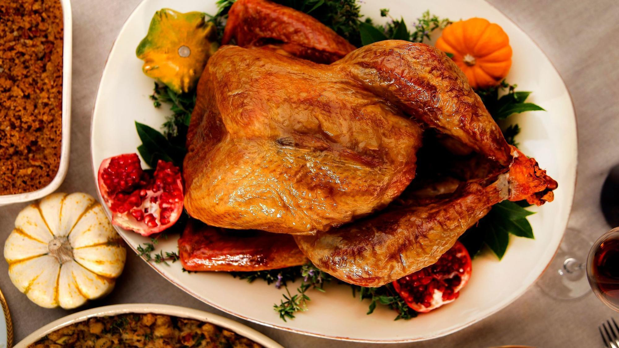 Cooking A Thanksgiving Turkey  Turkey 101 How to cook a Thanksgiving turkey LA Times